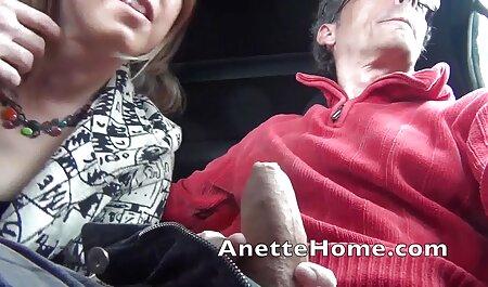 Seine Mutter und seine Freundin spielen zusammen mit dem kostenlose pornofilme sehen Dildo