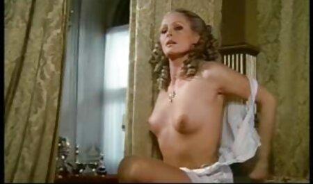 Schöne junge Latin free amateur porno Queen in Dessous mit großen Titten wird in alle Löcher dp'd