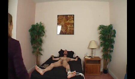 Amateur Babe free deutsche sexfilme macht Fitnessübungen