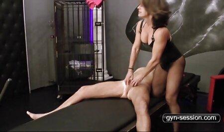 Dünne kleine asiatische Fickslut im schweizer porno gratis Schlafzimmer