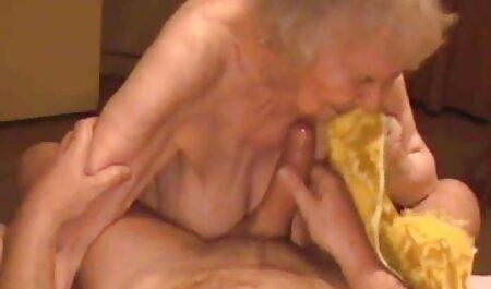 Loosers Muschi gefüllt mit einem Plastikschwanz und harte pornos kostenlos Gewinner mit