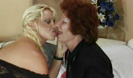 Der freche Strumpfarzt wird sichere sexfilme gefickt