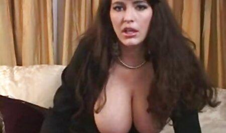 Sexy private pornofilme kostenlos Rothaarige spielt im Schrank